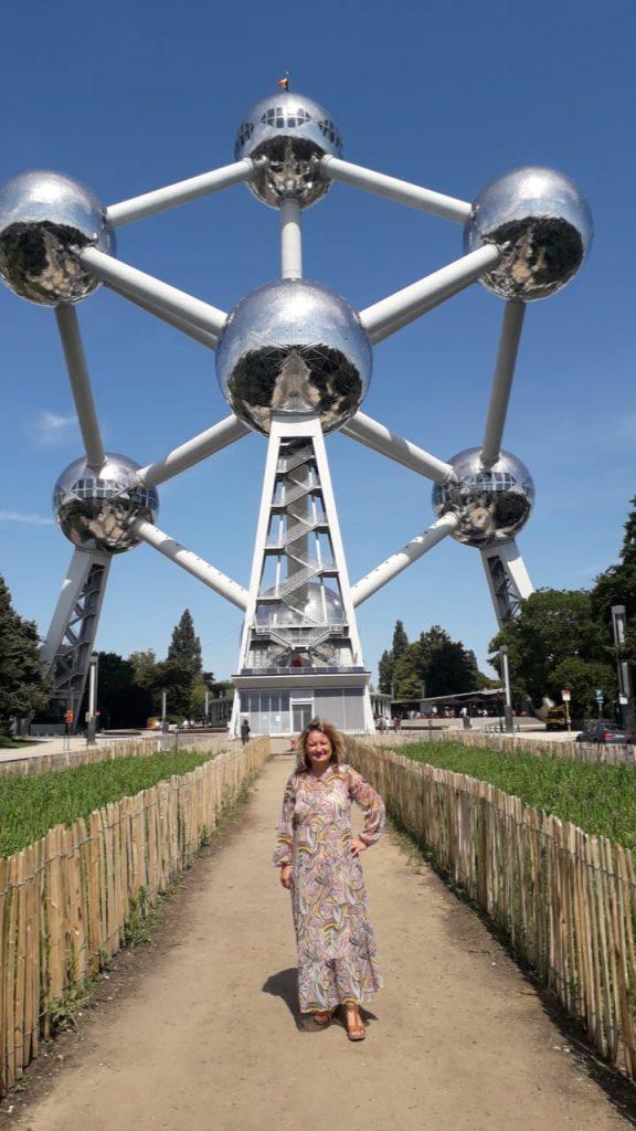 Rosica vor dem Atomium